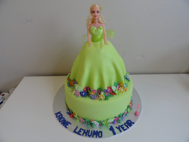 bdc089--2-tier-barbie-doll