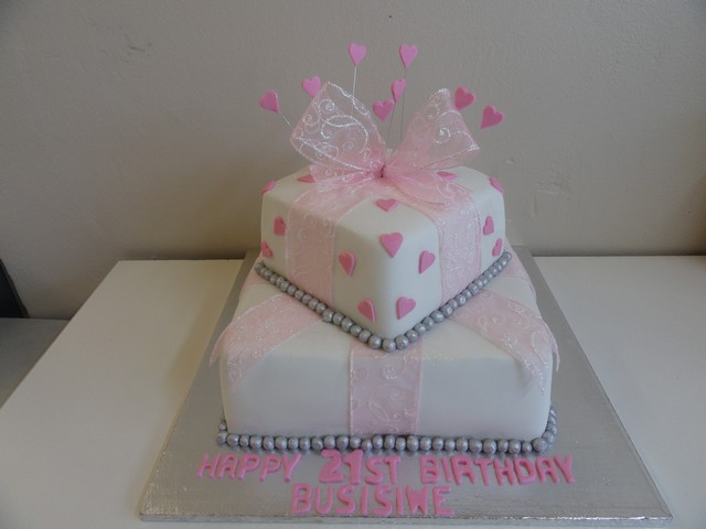 bdc157--pink-and-white-gift-cake