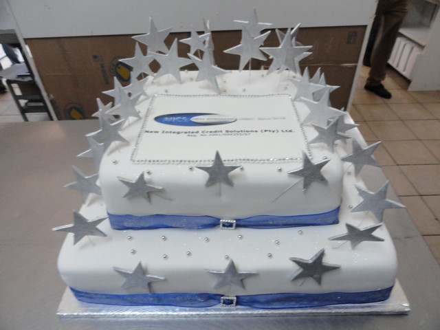 bdc163--2-tier-with-stars