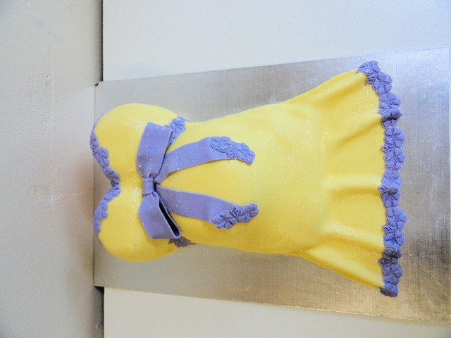 chc015--yellow-and-purple-tummy-cake