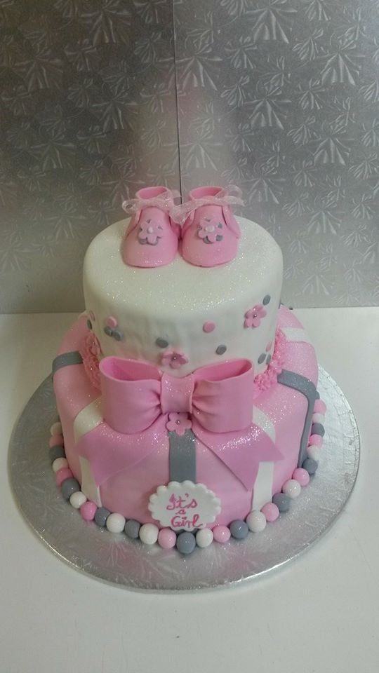 chc036--2-tier-booties-and-ribbon