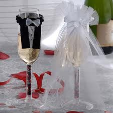 champagne-glass-wear--bride-&amp-groom-