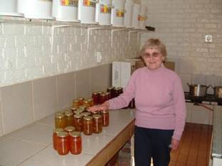 http://chrissiesmeer.co.za/tannieonahomebaking_files/image002.jpg