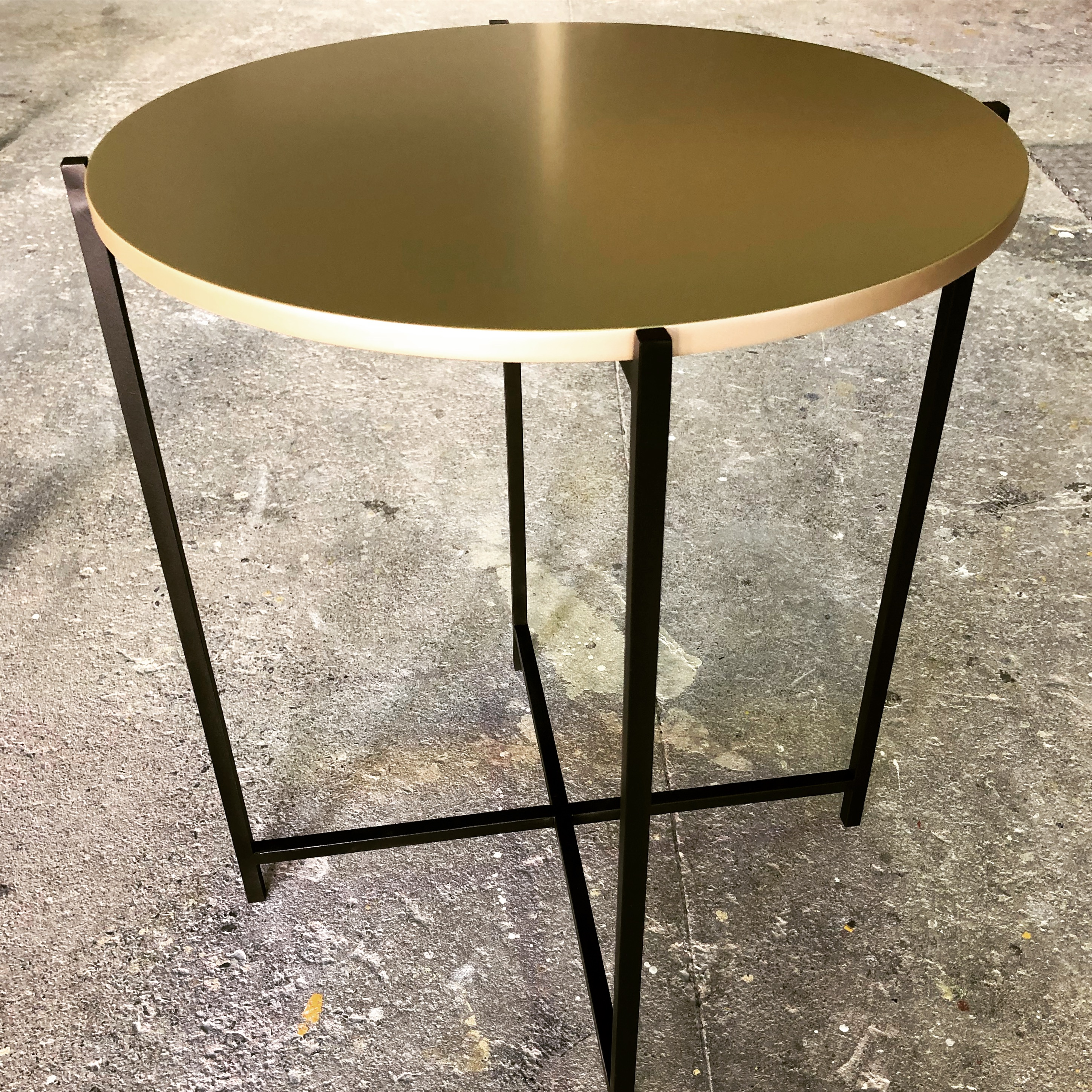 gold-sprayed-top-with-mild-steel-epoxy-coated-frame-