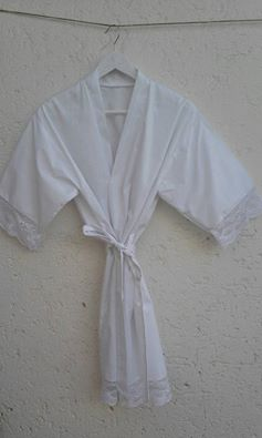 cotton-&amp-lace-robe-
