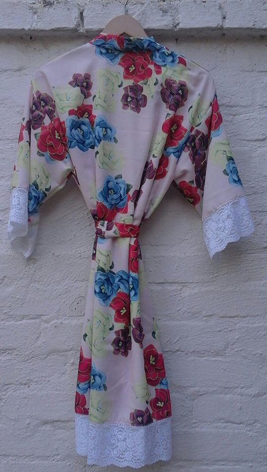 -floral-&amp-lace--robe-italian-linen-