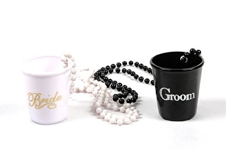 bride-&amp-groom--2-piece-necklace-shot-glasses