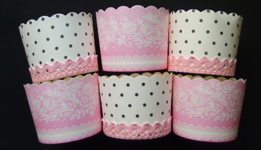 paris-themed-cupcake-cups--polka-dot--roses-and-crochet-detail--6-qty-