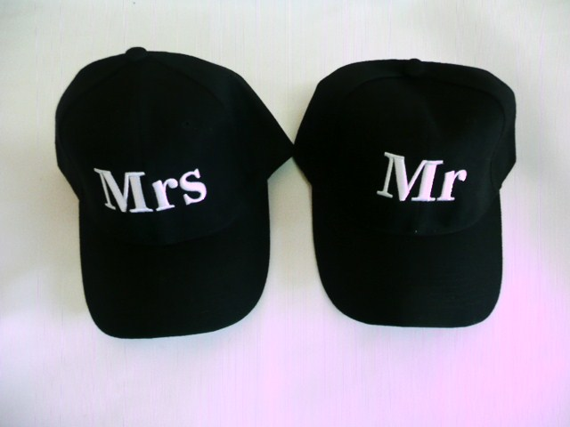 mr-&amp-mrs-golf-cap-set-
