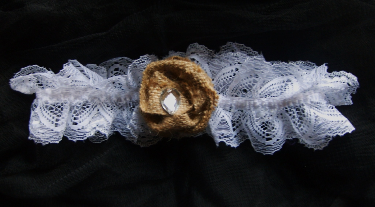 lace-&amp-hessian--garter-